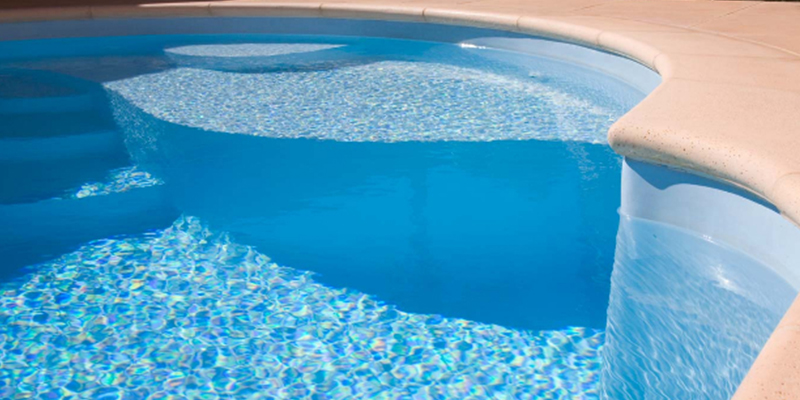 Pass piscines spas vos piscines b ziers maureilhan for Piscine coque fond plat